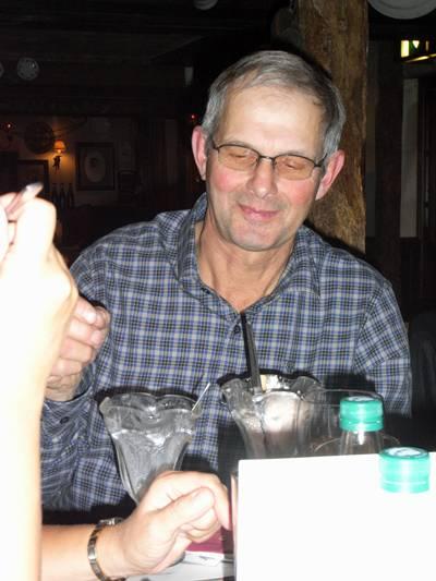 Lars åt tre glassar, efter en jättemiddag!